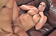 Busty cougar Eva Notty gets what she wants